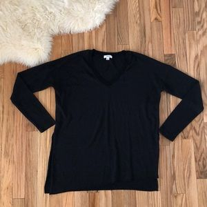 ⚡️3 for $25⚡️Wilfred Sherbrooke V neck Sweater